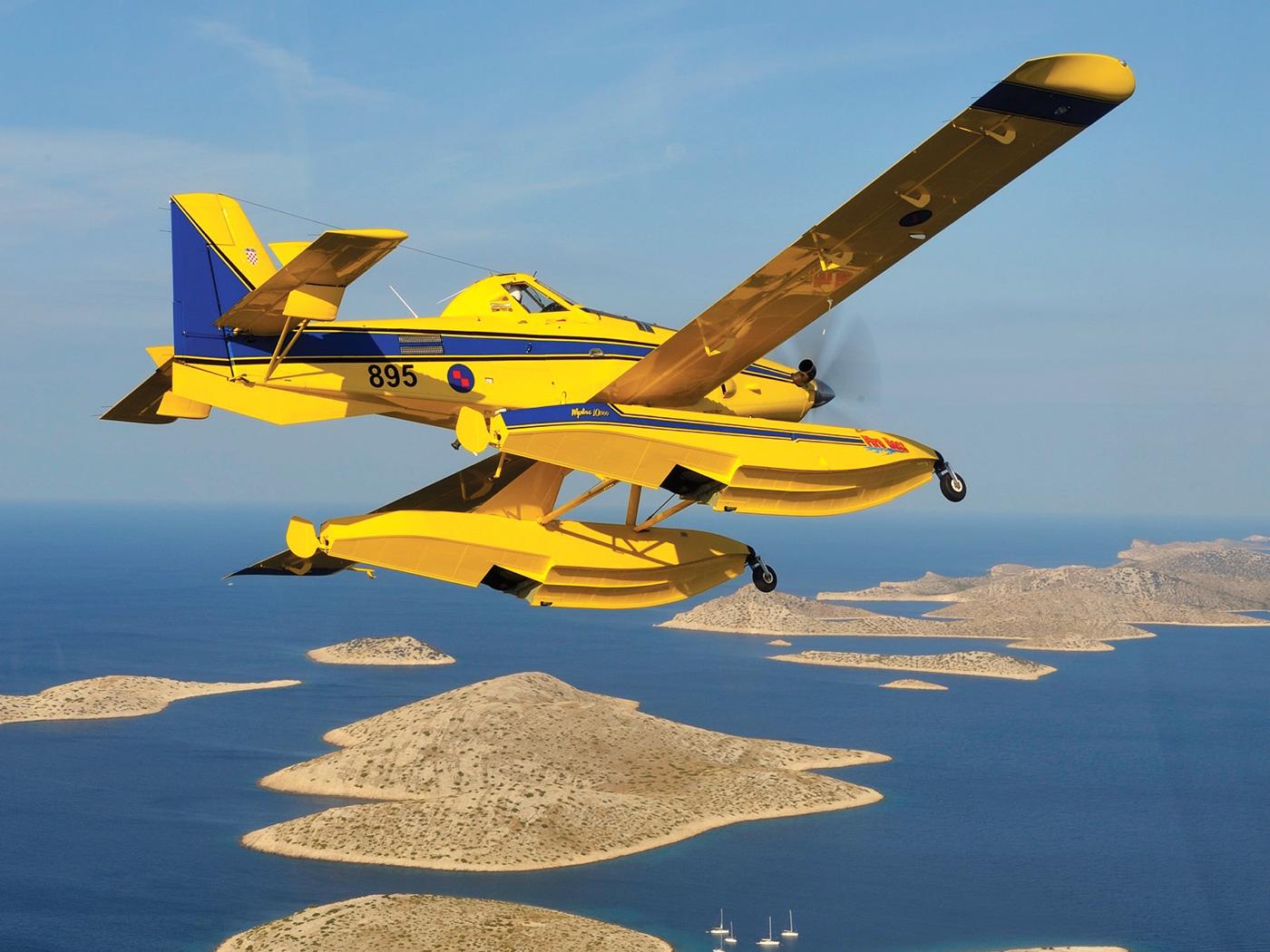 Avión Anfibio Air Tractor AT-802 Fire Boss