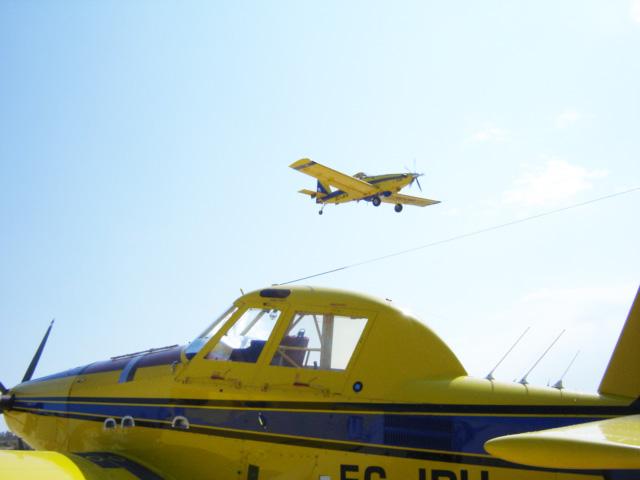 Aviones Avialsa AT-802