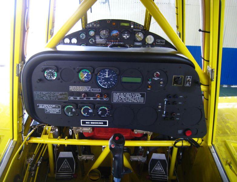Doble mando Aeronave AT-802
